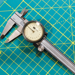 what is and how to use a vernier caliper